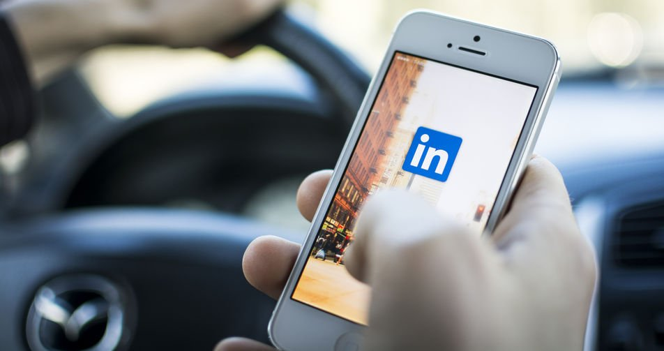 Why Your Linkedin Job Search Strategy is an Epic Failure